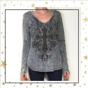 5/25$⭐️Maurices Grey Cross long sleeve top (C3)